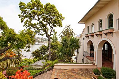 Spectacular Views Overlooking Belvedere Cove